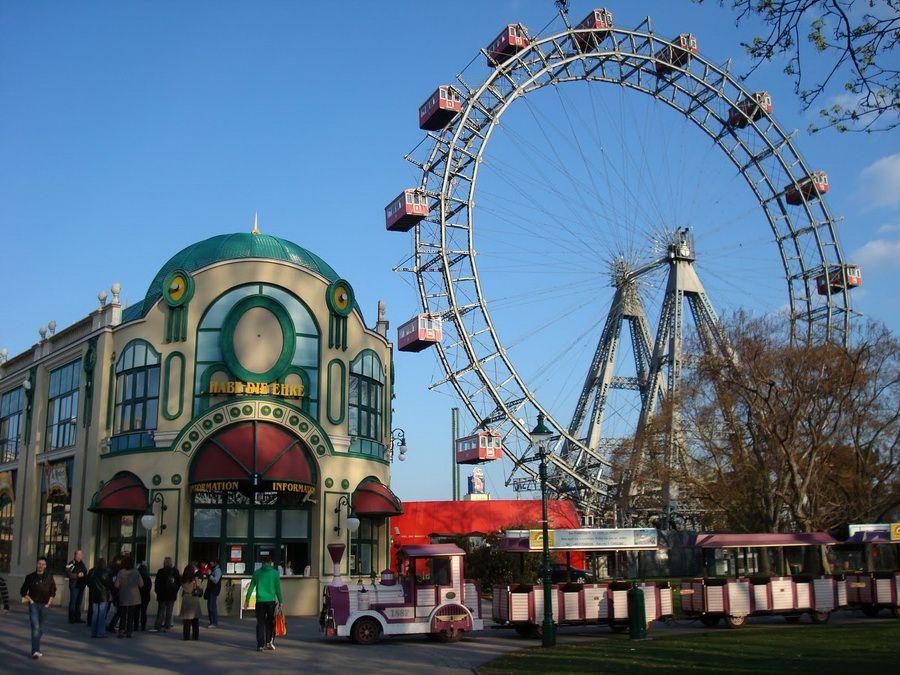 Колесо обозрения в парке Пратер фотографии Вены