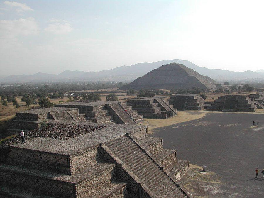 Теотиуакан пирамиды Солнца и Луны фото