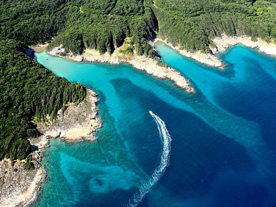 Остров Раб в Хорватии вид с высоты фотография
