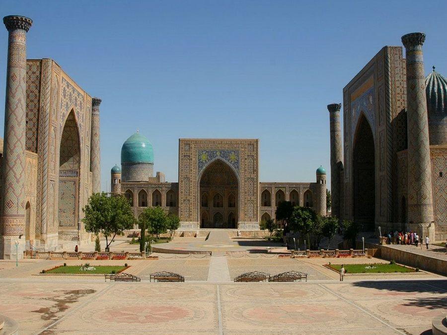 Фото площади Эль-Регистан в Самарканде фотография