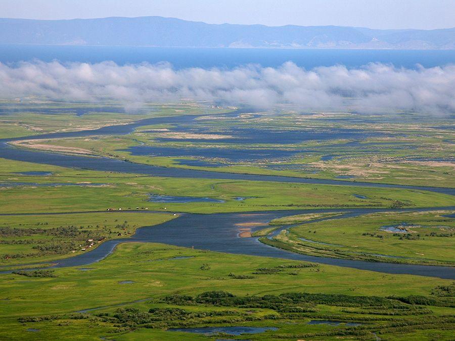 Фотография дельты реки Селенги вид сверху