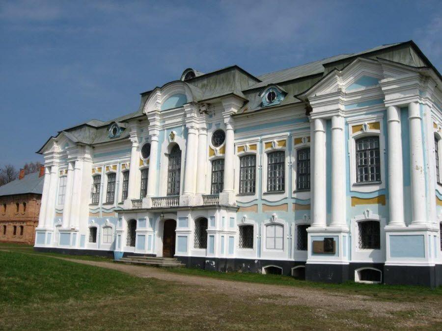 Архитектура музея-заповедника Хмелита фото