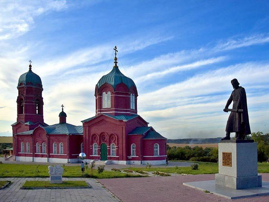Фото красивой церкви музея-заповедника Куликово поле