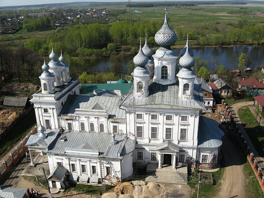 Воскресенский собор в городе Шуи Ивановской области фото