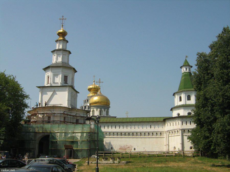 Воскресенский Новоиерусалимский монастырь вид под другим углом фото