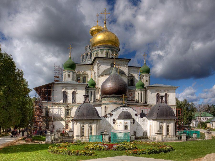 Воскресенский Новоиерусалимский монастырь в Московской области фото