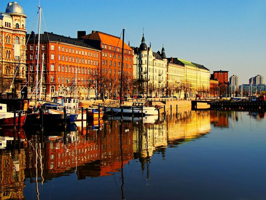 Река Вантаанйоки в Хельсинки фото