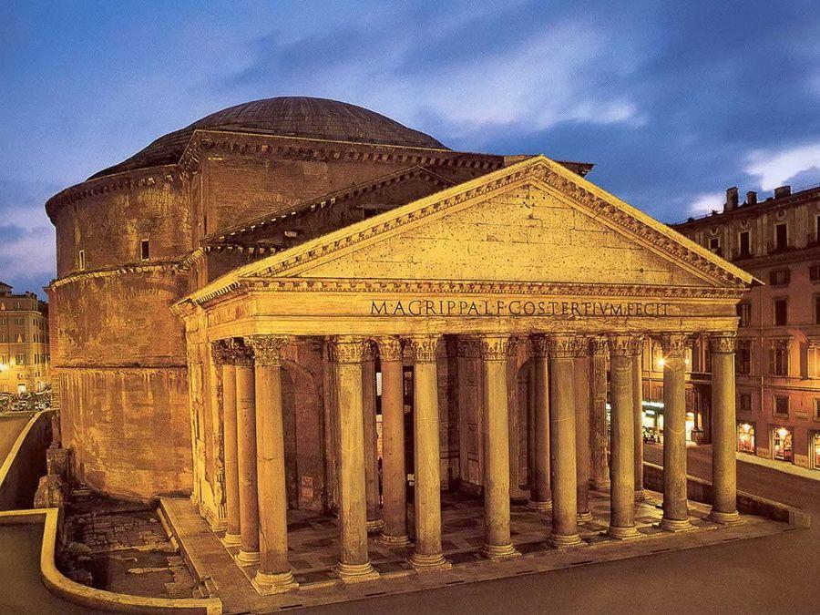 Фото ночной панорамы римского Пантеона