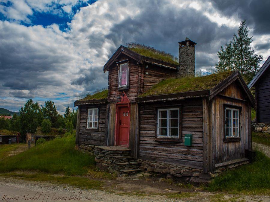 Старинные домики в Рерусе фотографии Норвегии