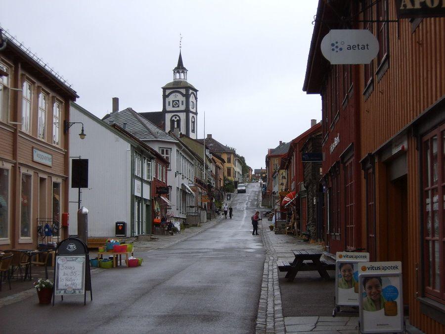 Фотография одной из улочек Реруса в Норвегии