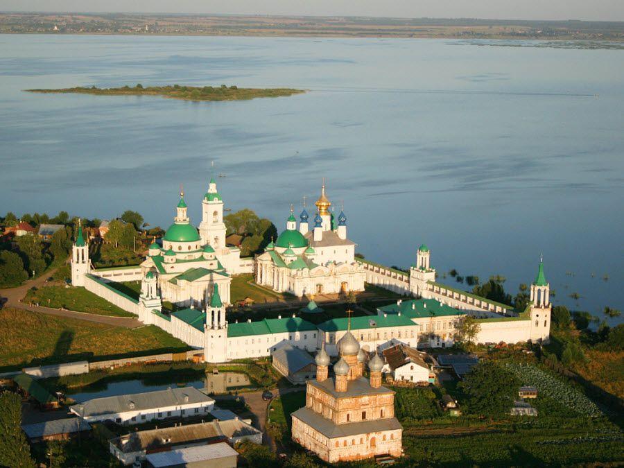 Панорама Ростовского Кремля фото