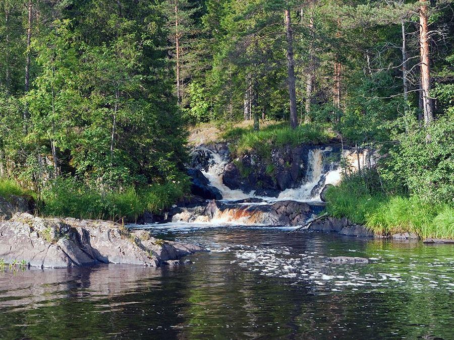 Рускеальские водопады в Карелии фотография