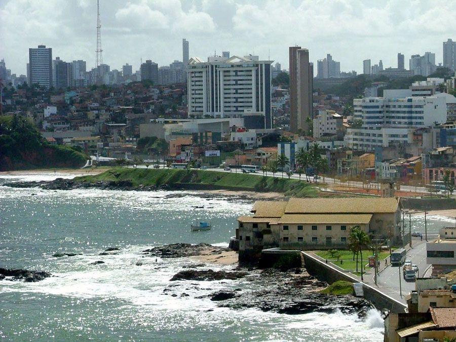 Город Салвадор в Бразилии фото
