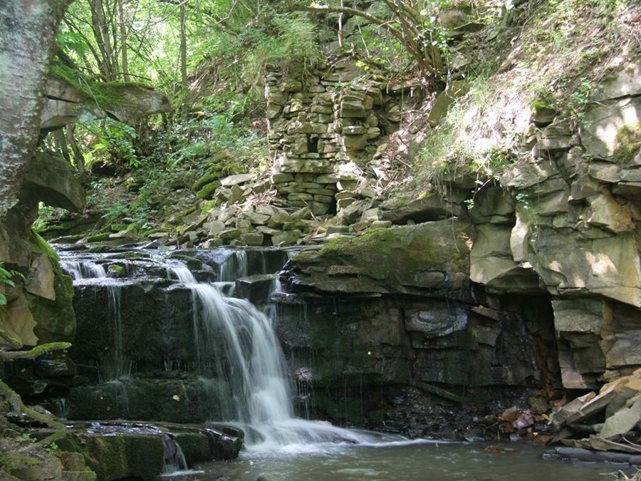 Фотография водопада в Самуском лесу