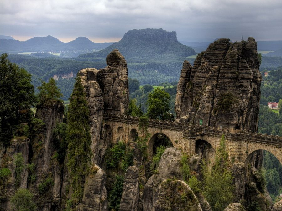 Панорама Национального парка Саксонская Швейцария фотография