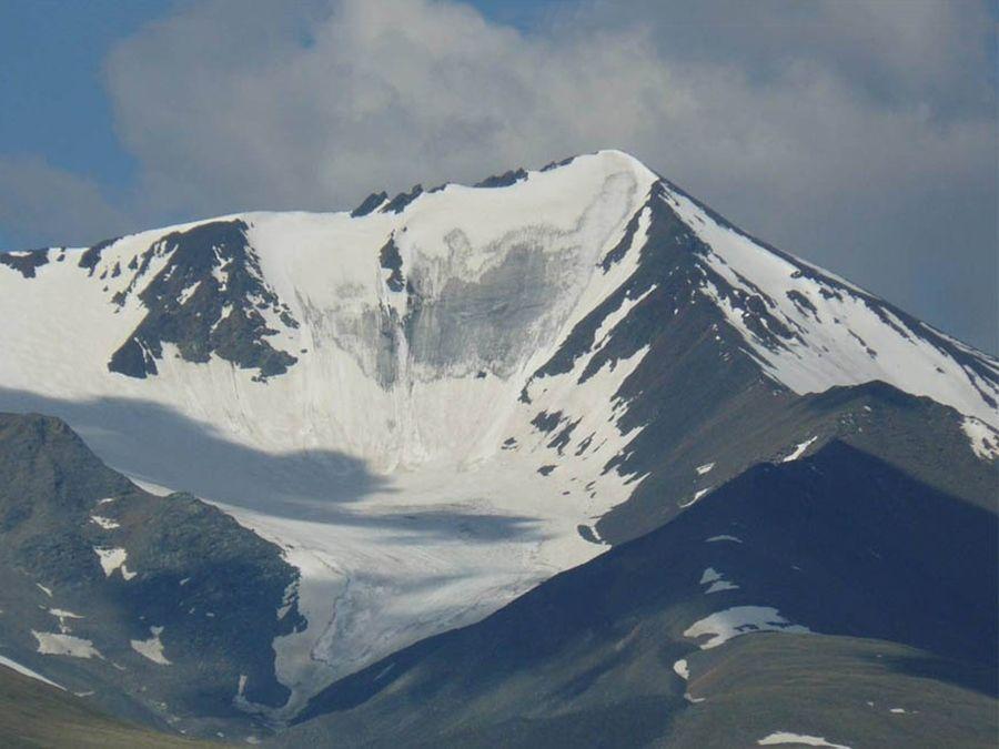 Фотография горы Кызыл-Тайга