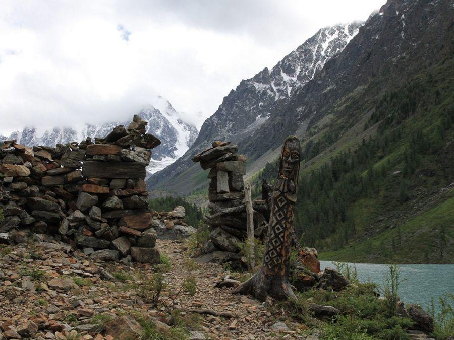Фотография Каменного города на берегу Среднего озера
