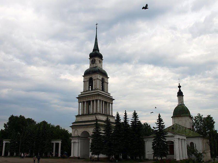 Фото церкви на территории Слободского краеведческого музея