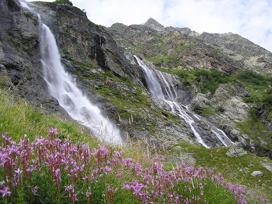 Фотография Софийских водопадов в Карачаево-Черкессии