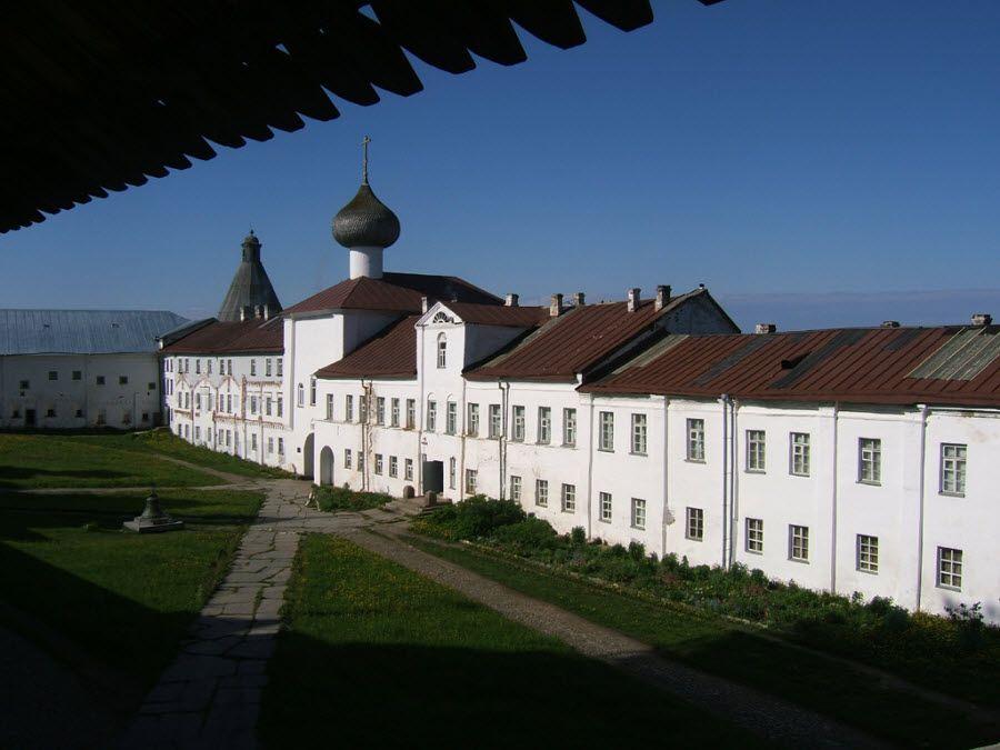 Соловецкий монастырь вид изнутри фото