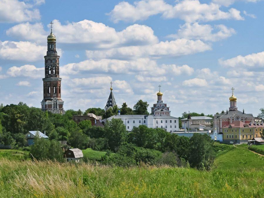 Панорама Свято-Иоанно-Богословского монастыря фото