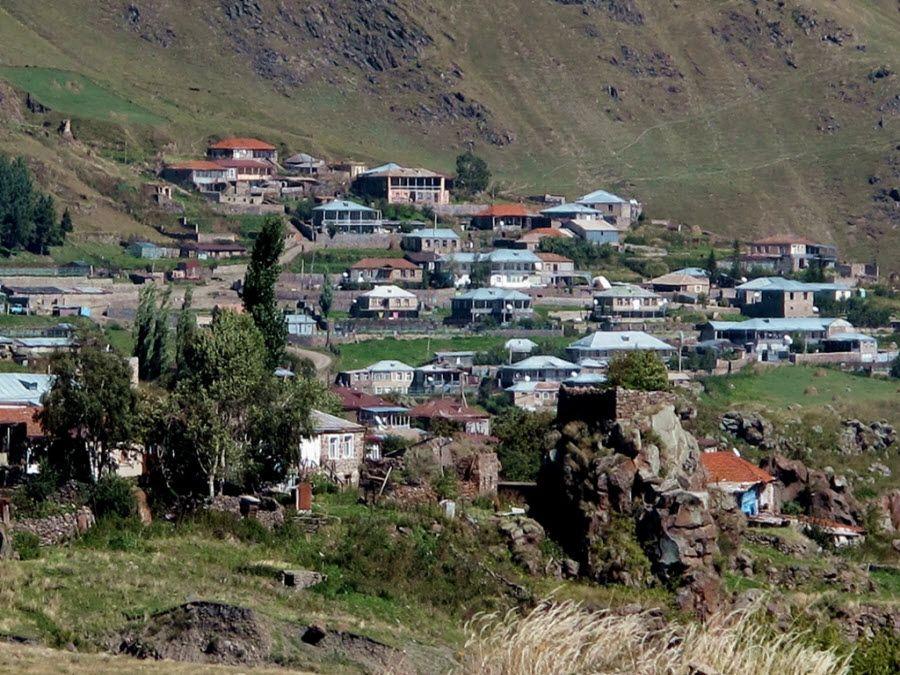 Фото домов в деревне Степантсминда