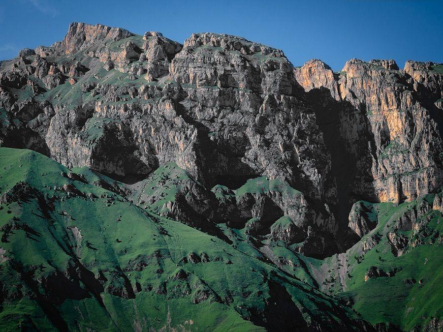 Фотография горы Маат-Лоам в Ингушетии