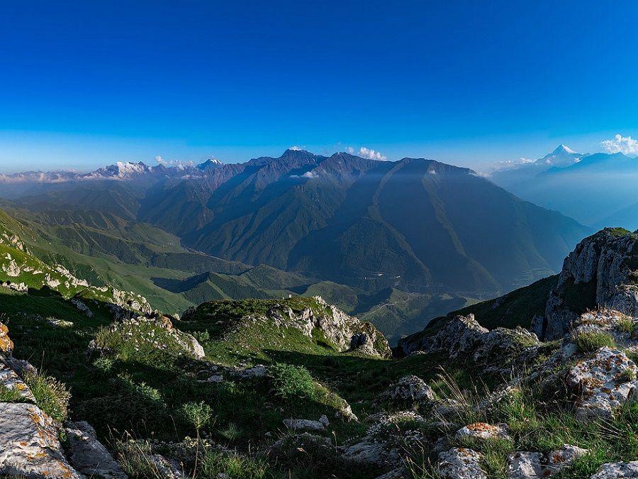 Фотография вида со Столовой горы в Ингушетии