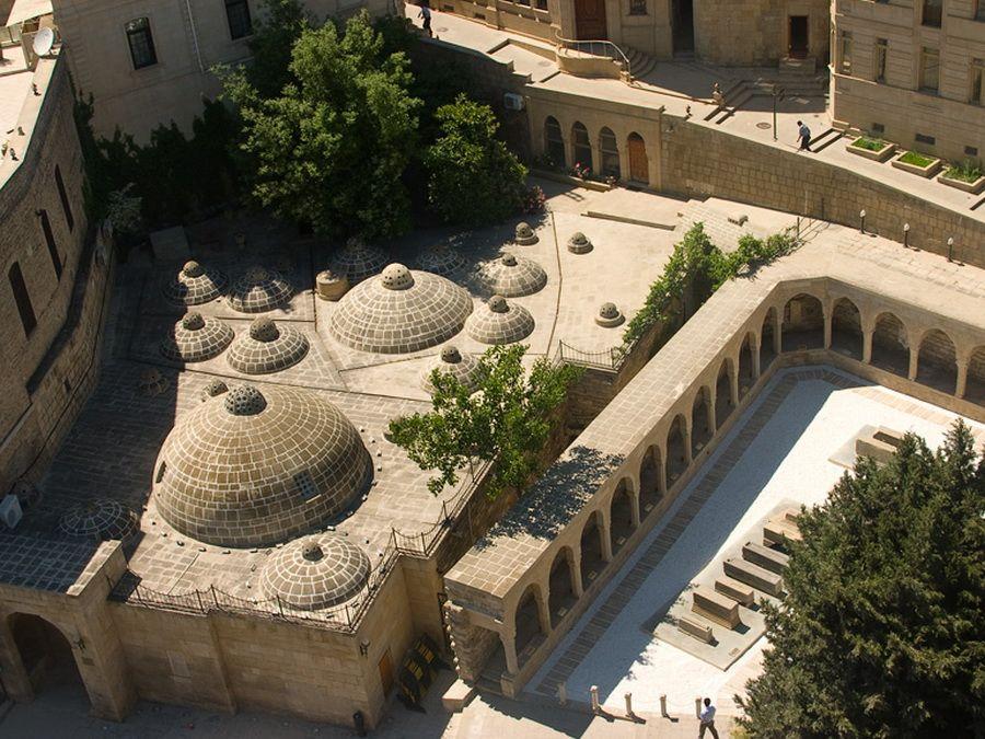 Фото улиц Ичери-шехер в Баку
