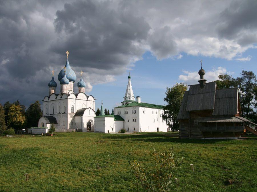 Суздальский кремль во Владимирской области фото