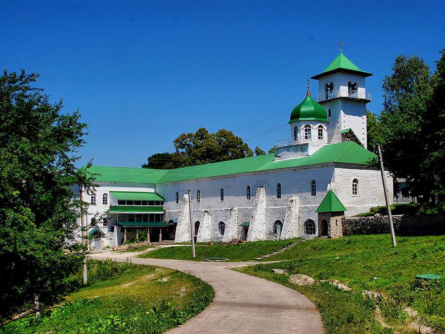 Фото Свято-Троицкого храма в Свято-Михайловском Афонском мужском монастыре