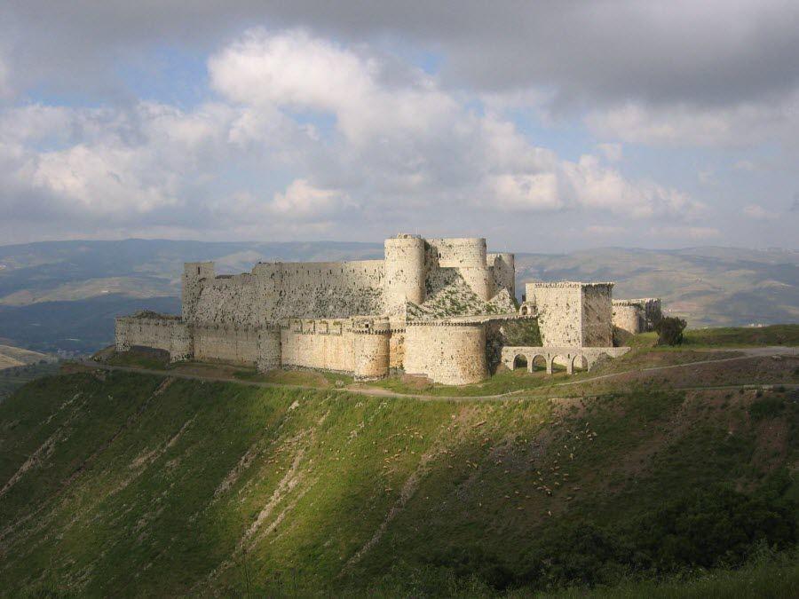 Фото красивого замка в Сирии