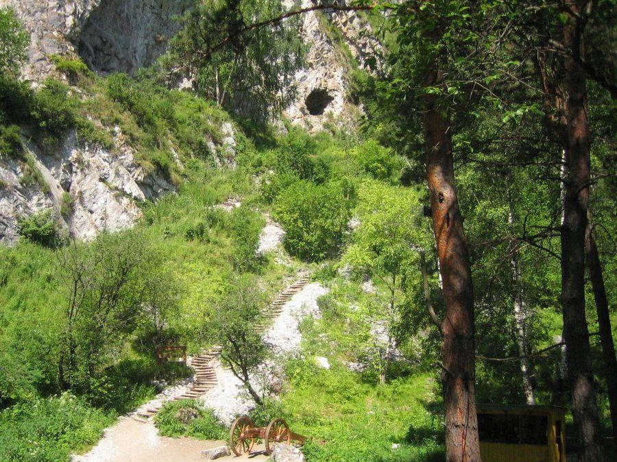 Фотография входа в Тавдинские пещеры