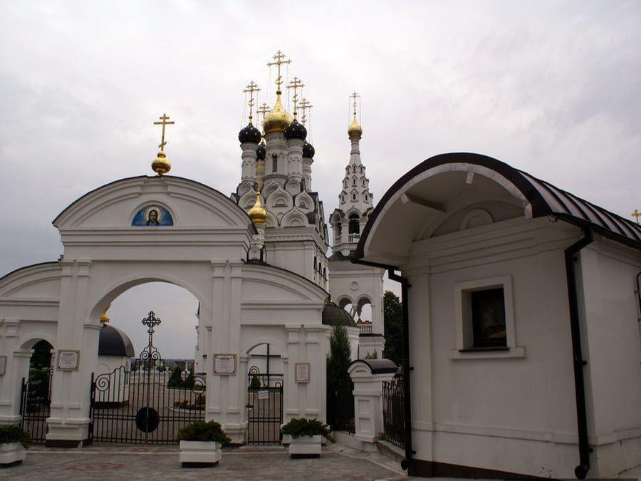 Храм Веры, Надежды, Любови и матери их Софии фото