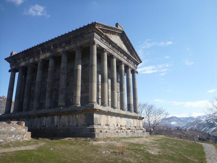 Фотография Храма Солнца в Гарни Армения