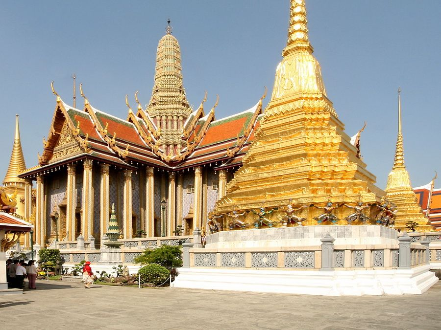 Фотография Храма Изумрудного Будды рядом с Королевским дворцом в Бангкоке