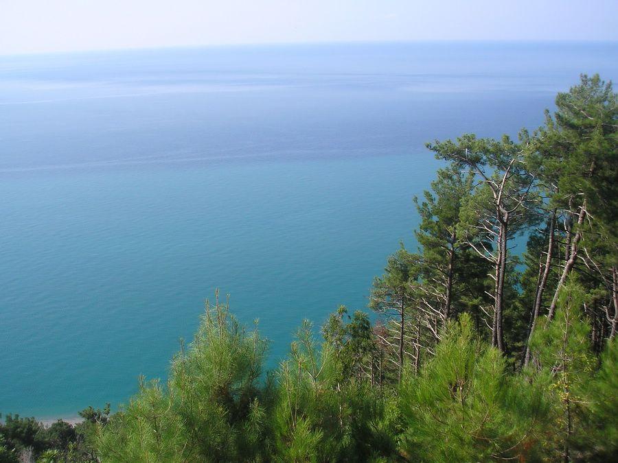 Фото Черного моря у побережья Абхазии