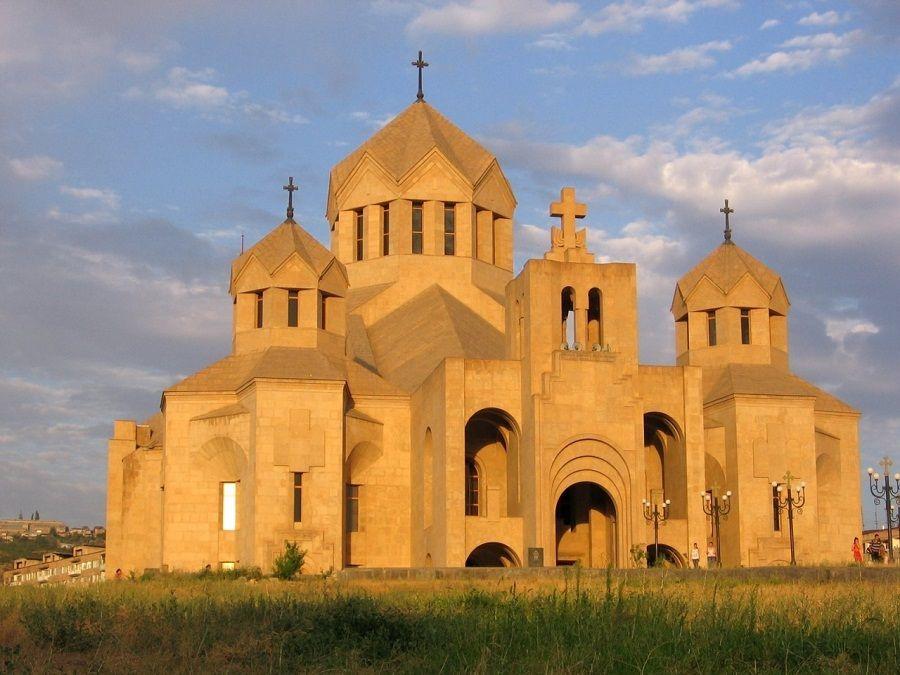 Фото Кафедрального Собора Святого Григория Просветителя в Ереване