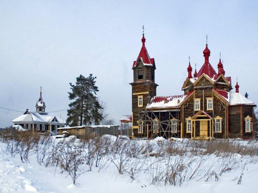 Церковь во имя Преподобного Серафима Саровского вид зимой фотография