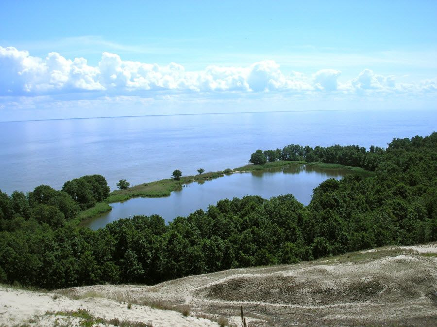 Фото невероятного озера на Куршской косе