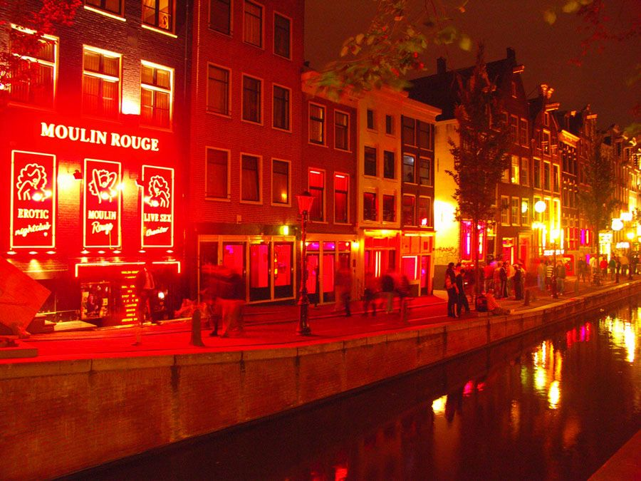 Квартал красных фонарей в Амстердаме фотография