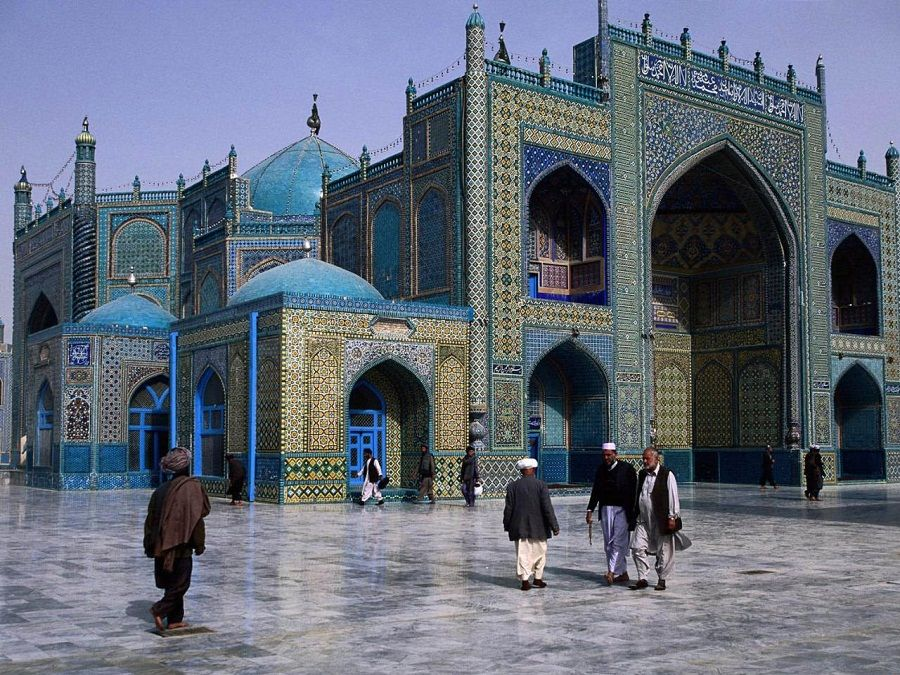 Территория Голубой Мечети фото в Ереване