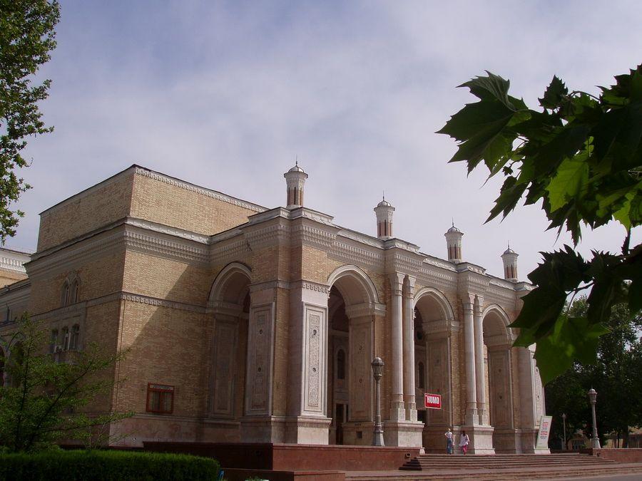 Фото Театра Оперы и Балета Ташкента