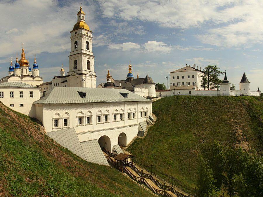 Вид с горы на Тобольский Кремль фото