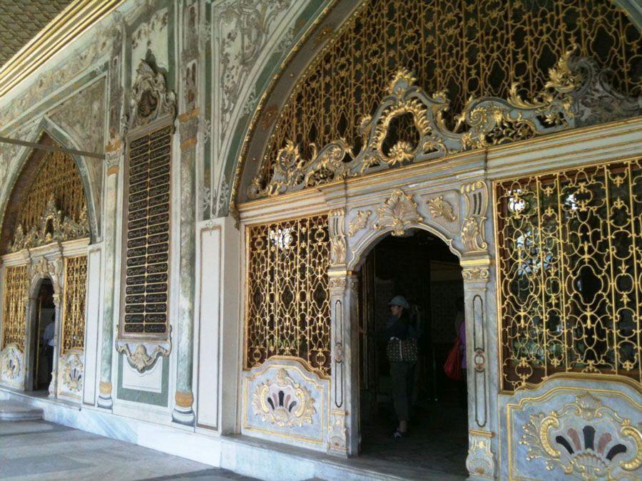 Фотография внутри дворца Топкапы в Стамбуле