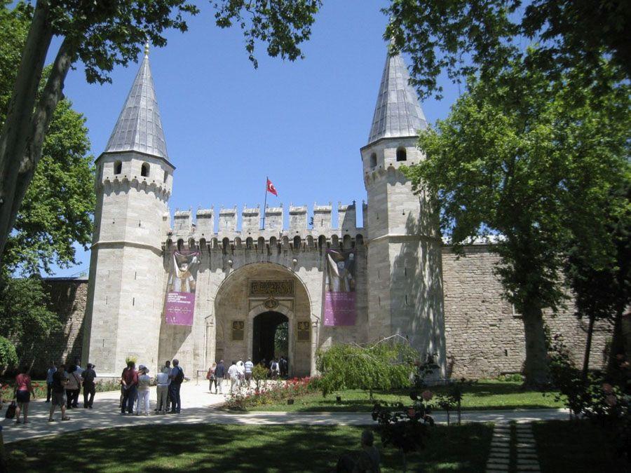 Дворец Топкапы в Стамбуле фото