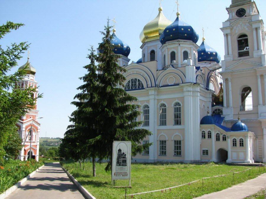Спасо-Преображенский собор вид вблизи фото