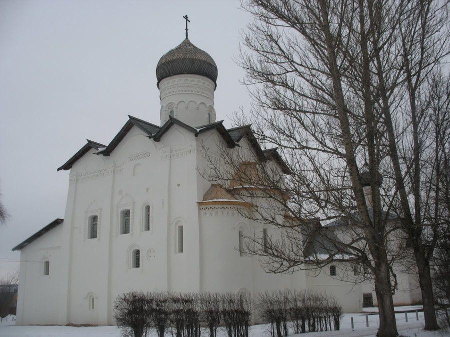 Фото вид с севера на Спасо-Преображенский собор