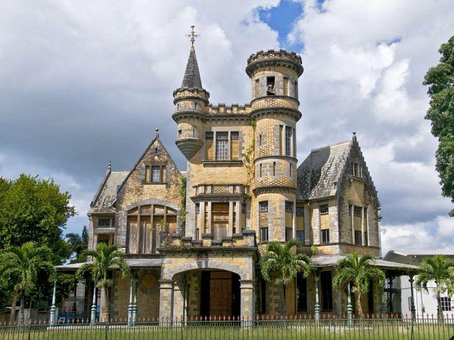 Фото замка в колониальном стиле в Тринидаде, Куба