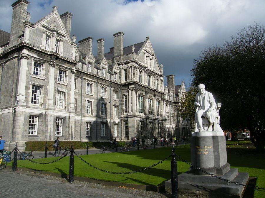 Фотография Тринити-колледжа в Дублине